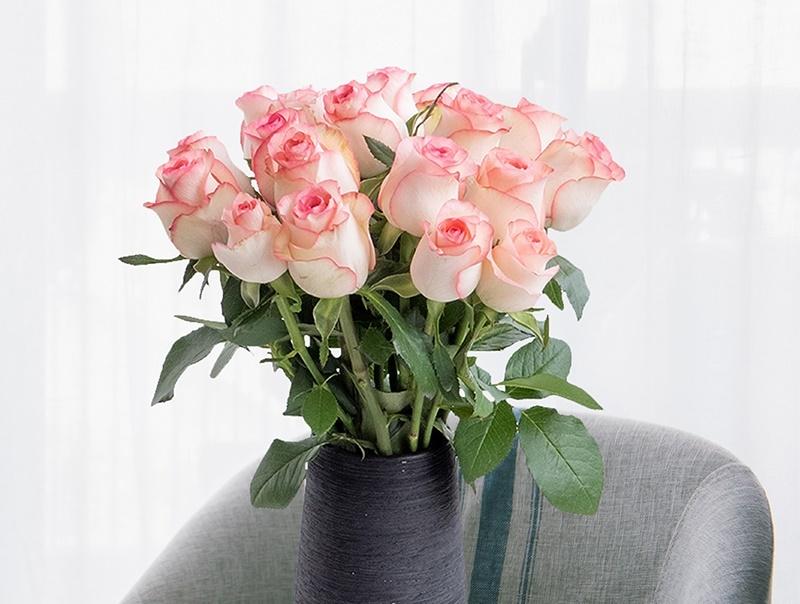 插花前处理花材的要点